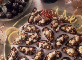 Stuffed Mussels with Parmesan and Dried Tomatoes