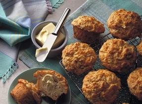 Cheddar Apple Muffins