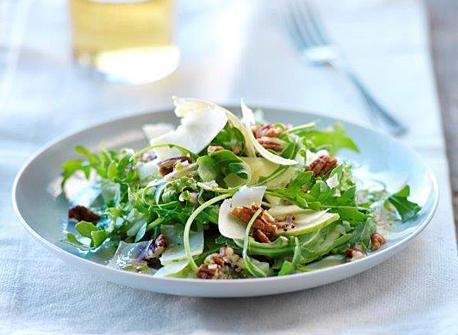 Fennel, Arugula, Cheddar, and Pecan Salad Recipe