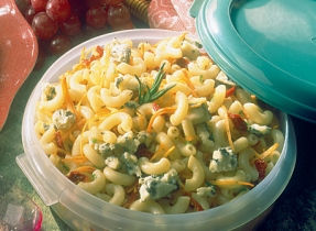 Sun-Dried Tomato and Borgonzola Macaroni Salad