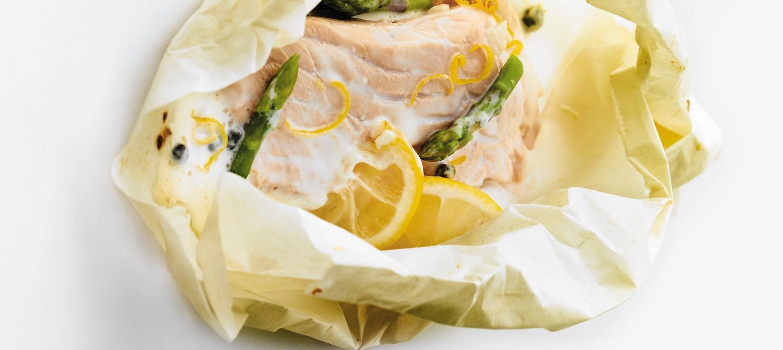 Atlantic salmon asparagus en papillote with lemon caper sauce recipe dairy goodness - Saumon papillote au four ...