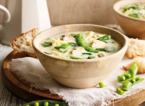 Springtime Chicken, Spinach and Sugar Snap Pea Soup