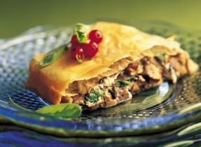 Tre Stelle Ricotta, Mushroom and Spinach Strudel