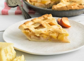 Orchard fruit & Cheddar pie